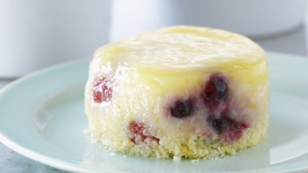 Lemon Berry Saucing Cakes
