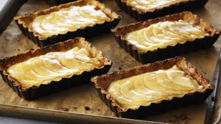 Flourless French Apple Tarts